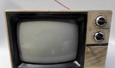 黑白电视机